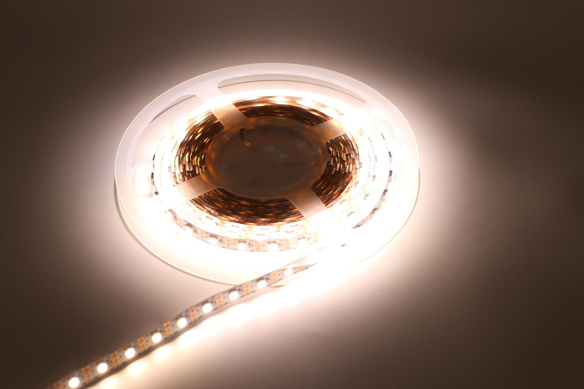 Strip Led Piu Luminosi differenza strisce led 5630, 2835, 5050, 3014, 3020